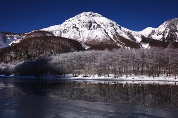 焼岳と大正池霧氷 のコピー 2.jpg
